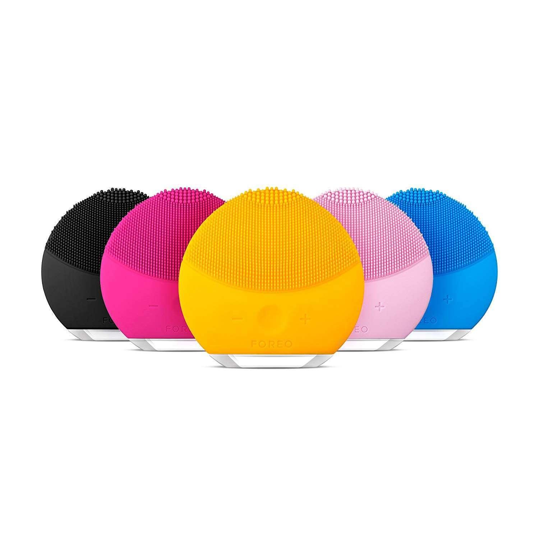 Colores disponibles de la Foreo LUNA Mini 2, azul, amarillo, rosa, negro y fucsia
